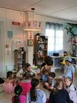 Installation du luminaire dans la classe petite section de l'Ecole Internationale de Gujan-Mestras